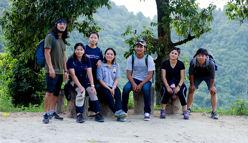 hiking tour in nepal